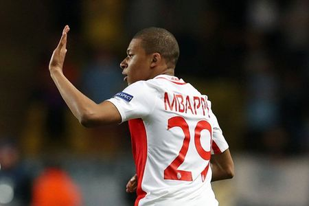 Henry - Martial - Mbappe o tuoi 18: Ai an tuong nhat? - Anh 2