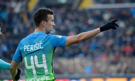 Inter gia han hop dong voi Ivan Perisic, kem theo dieu khoan 'anti-Man Utd' - Anh 1