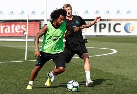 Ronaldo sung suc; Bale van tap rieng - Anh 8