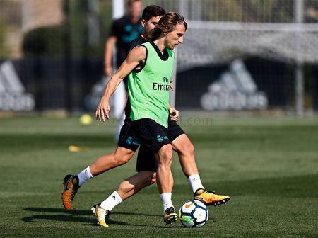 Ronaldo sung suc; Bale van tap rieng - Anh 9