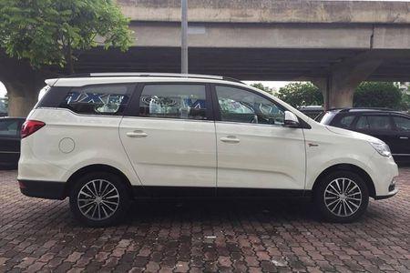 'Xe Tau' BAIC F5 gia 548 trieu dau Toyota Innova tai VN - Anh 1