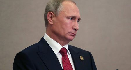 Putin bi Trump 'tat gao nuoc lanh' - Anh 1