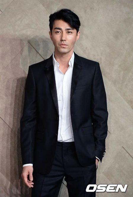 Nhung ong chu U40 gay sot cua dien anh Han Quoc boi 'tre mai khong chiu gia' - Anh 36