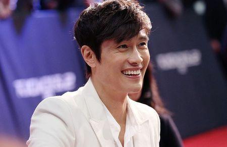 Nhung ong chu U40 gay sot cua dien anh Han Quoc boi 'tre mai khong chiu gia' - Anh 41