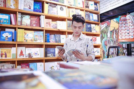 Nhu Thuy tiet lo anh hau truong tinh tu cung hotboy trong MV moi - Anh 4