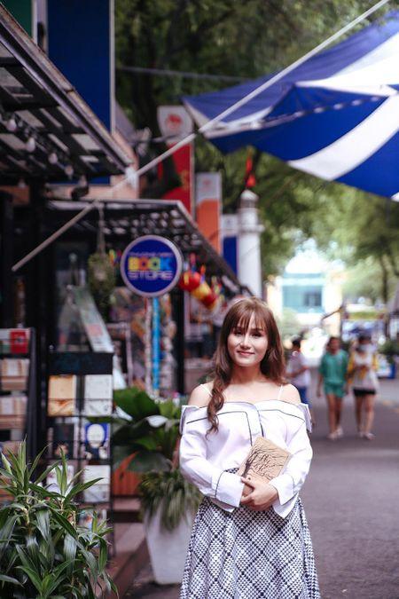 Nhu Thuy tiet lo anh hau truong tinh tu cung hotboy trong MV moi - Anh 5
