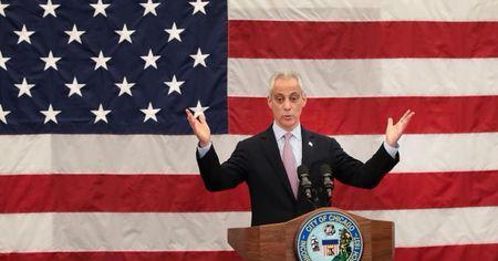 Thi truong Chicago cam tong thong Trump den thanh pho de bao ve nguoi nhap cu - Anh 1