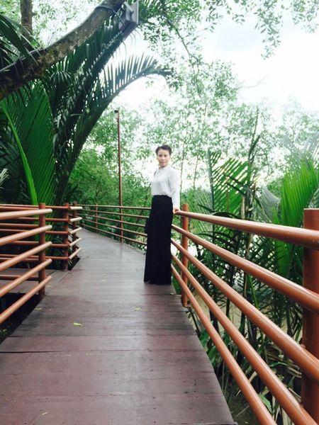 Du da 60, me ruot Ho Ngoc Ha lai co gu thoi trang tre trung va sanh dieu co nay! - Anh 3