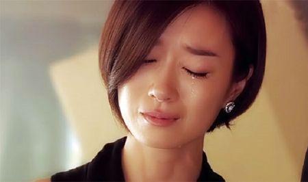 Dien cuong tra thu vo vi cuoi nhau 3 thang van khong cho chong dong vao nguoi - Anh 4