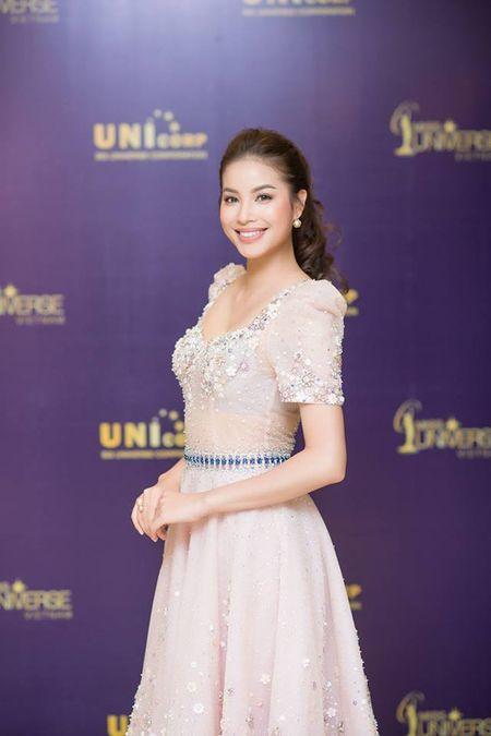Chan dai Next Top 'tran ngap' Vong so khao Miss Universe Vietnam 2017 - Anh 2