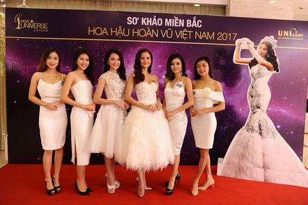 Chan dai Next Top 'tran ngap' Vong so khao Miss Universe Vietnam 2017 - Anh 8