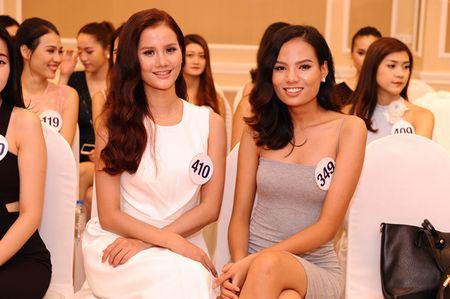 Chan dai Next Top 'tran ngap' Vong so khao Miss Universe Vietnam 2017 - Anh 9