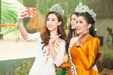 Do My Linh do sac cung Hoa hau Hoan vu Lao moi dang quang - Anh 3