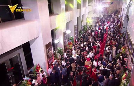 Dan mang phat dien voi nhan vat 'vo duyen nhat tham do' VTV Awards 2017 vi tan dung PR qua lo - Anh 7