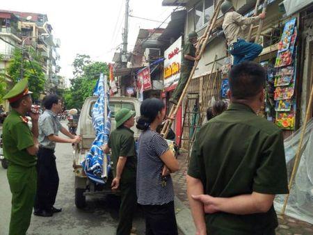 Vu 'xe thit' via he o quan Thanh Xuan (Ha Noi): Tang cuong kiem tra, xu ly - Anh 1