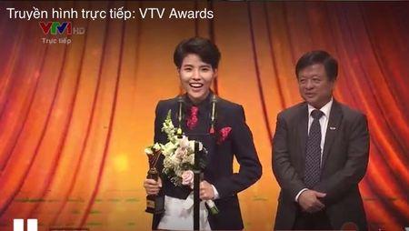 VTV Awards 2017: Bo xa Son Tung voi nhieu hit dinh dam, Vu Cat Tuong la ca si an tuong nhat nam - Anh 1