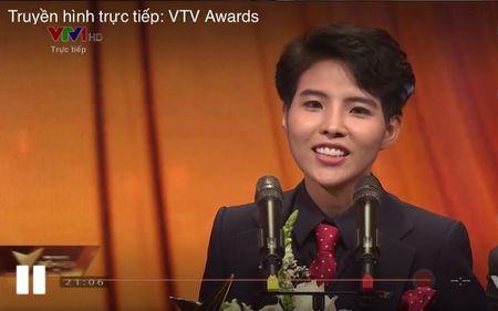 VTV Awards 2017: Bo xa Son Tung voi nhieu hit dinh dam, Vu Cat Tuong la ca si an tuong nhat nam - Anh 2