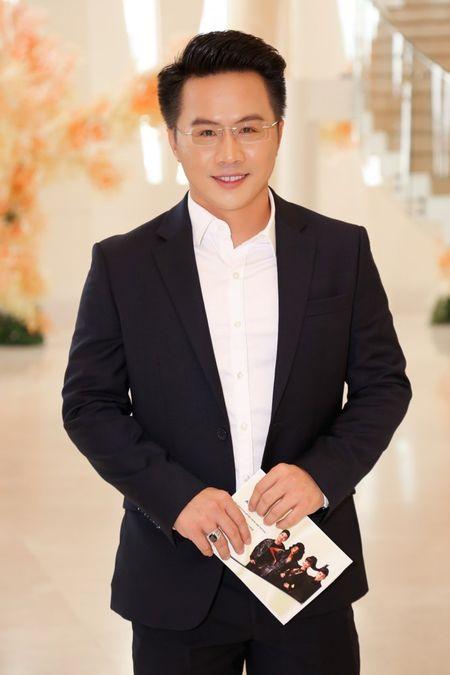 Nam Em mac vay xe quyen ru, 'lan at' a quan The Face Tuong Linh - Anh 11