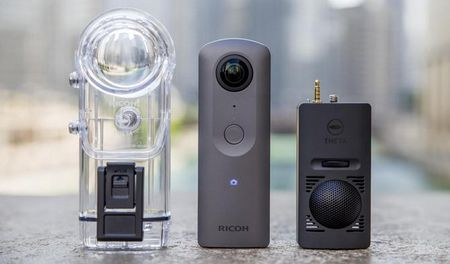 Ricoh Theta V: quay 360 do chat luong 4K, ho tro live streaming - Anh 1