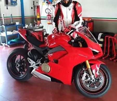 Lo hinh anh thuc te dau tien cua Ducati V4 Panigale - Anh 2
