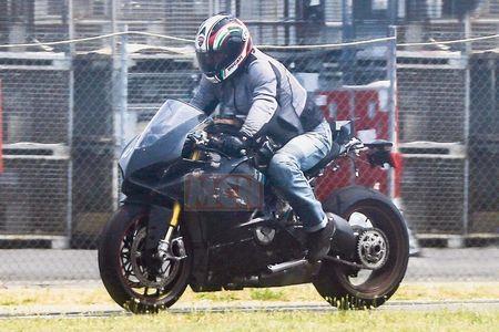Lo hinh anh thuc te dau tien cua Ducati V4 Panigale - Anh 3