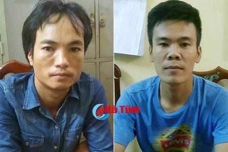 2 doi tuong chem gan dut lia ban tay doi thu de 'rua han' - Anh 1