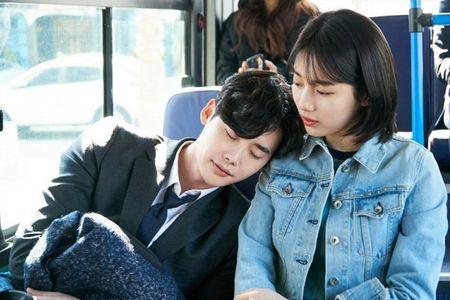 Nha anh doc kich ban sau 9 thang, phim moi cua Suzy - Lee Jong Suk lap ky luc ve do em tin - Anh 19