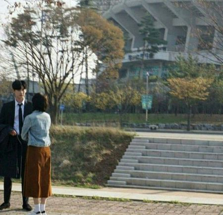 Nha anh doc kich ban sau 9 thang, phim moi cua Suzy - Lee Jong Suk lap ky luc ve do em tin - Anh 3
