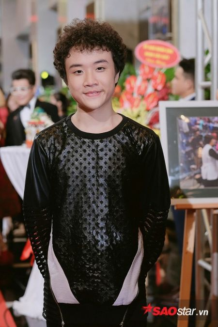 Vu Cat Tuong hut hon voi ve 'dien trai' kho cuong, Nha Phuong khoe kheo vai tran goi cam - Anh 16