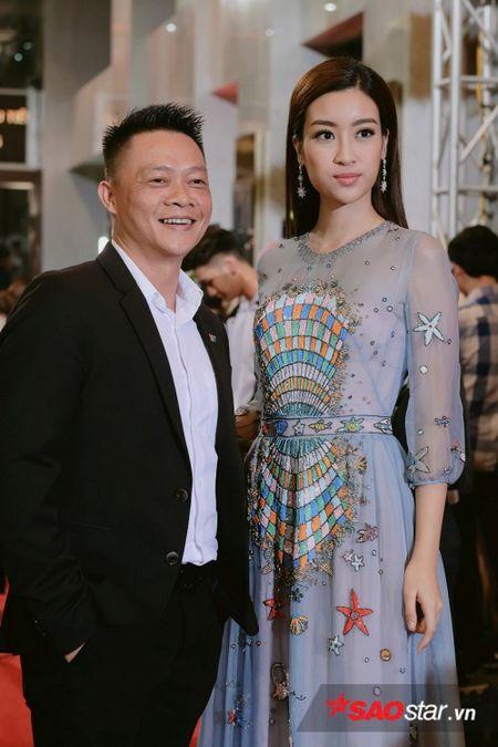 Vu Cat Tuong hut hon voi ve 'dien trai' kho cuong, Nha Phuong khoe kheo vai tran goi cam - Anh 7