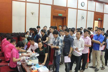 Cong doan Van phong Trung uong Dang gui trao 'nhung giot mau hong' - Anh 2
