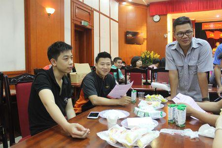 Cong doan Van phong Trung uong Dang gui trao 'nhung giot mau hong' - Anh 8