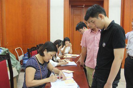 Cong doan Van phong Trung uong Dang gui trao 'nhung giot mau hong' - Anh 9