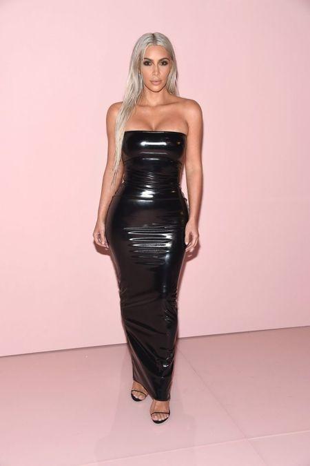 Hau tung anh nude, Kim Kardashian 'choi' han qua dau bach kim don mung dua con thu 3 sap chao doi - Anh 4