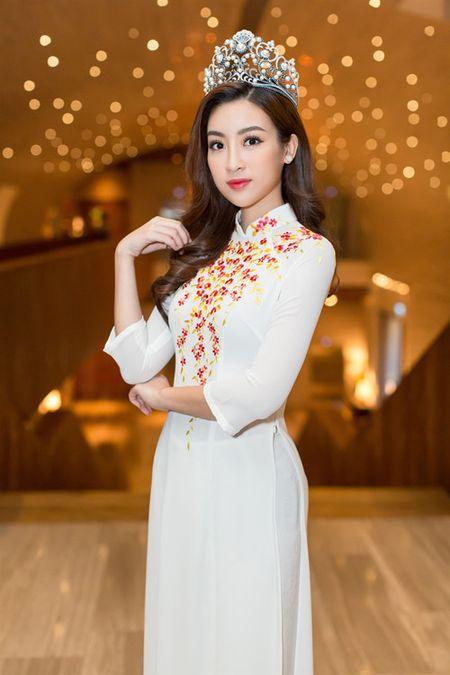 Moi dang quang, Hoa hau Hoan vu Lao sang Viet Nam 'do sac' Do My Linh - Anh 5