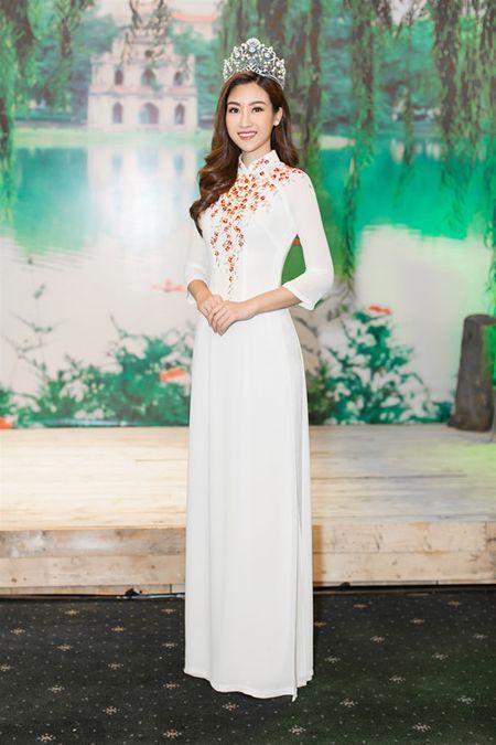 Moi dang quang, Hoa hau Hoan vu Lao sang Viet Nam 'do sac' Do My Linh - Anh 6