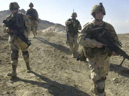 Taliban tan cong can cu My tai Afghanistan - Anh 1