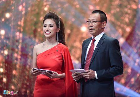 Xuan Bac vuot Hoai Linh, Truong Giang nhan giai 'Nghe si hai an tuong' - Anh 1
