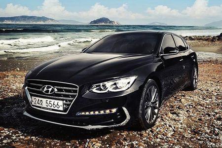XE HOT NGAY 7/9: Loat xe Mazda giam gia khung, gia oto tai Viet Nam neu khong phai dong thue - Anh 1