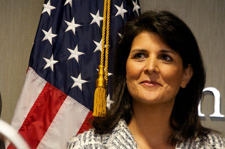 Foreign Policy: Ba Nikki Haley co the thay ong Tillerson lam Ngoai truong My - Anh 1