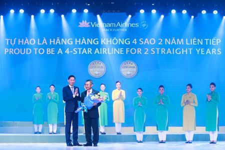 Vietnam Airlines tiep tuc khang dinh vi the Hang hang khong 4 sao - Anh 1