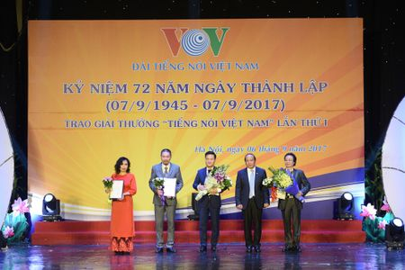 Toan canh le ky niem 72 nam thanh lap VOV va trao giai 'Tieng noi Viet Nam' - Anh 10