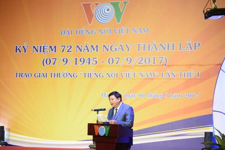 Toan canh le ky niem 72 nam thanh lap VOV va trao giai 'Tieng noi Viet Nam' - Anh 3