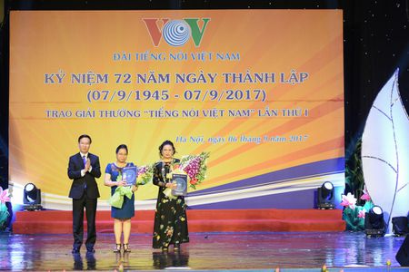 Toan canh le ky niem 72 nam thanh lap VOV va trao giai 'Tieng noi Viet Nam' - Anh 5