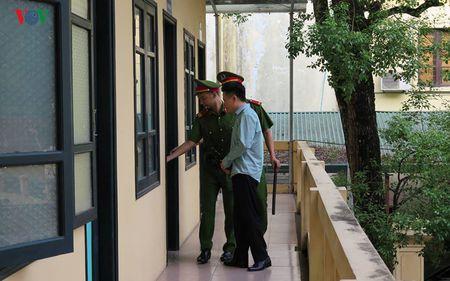 Ha Van Tham va cuu TGD Oceanbank 'tung hung' an y choi chiem doat tien - Anh 12