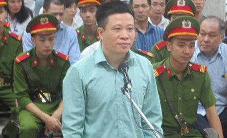 Ha Van Tham va cuu TGD Oceanbank 'tung hung' an y choi chiem doat tien - Anh 14