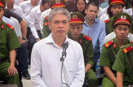 Ha Van Tham va cuu TGD Oceanbank 'tung hung' an y choi chiem doat tien - Anh 2