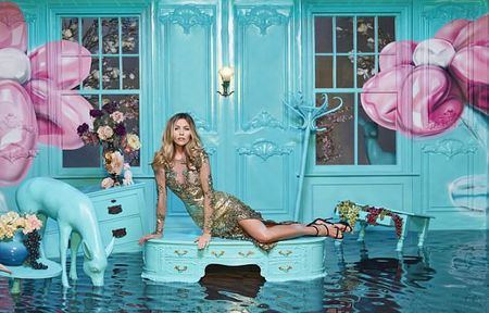 Abbey Clancy 'mac nhu khong' chup hinh cho Britain's Next Top Model - Anh 8