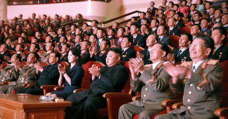 Hanh dong la cua ong Kim Jong-un truoc ngay 'dai nan' - Anh 1