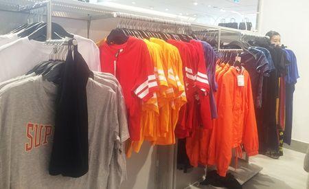 Trong H&M co gi ma dan Sai Gon 'phat dien'? - Anh 1